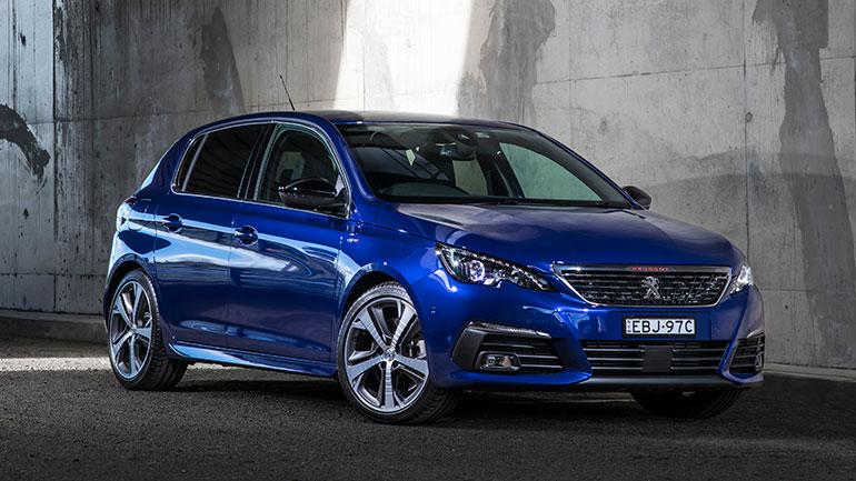 Новое поколение Peugeot 308 получит кросс-версию 1