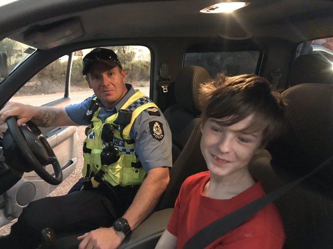 12-летний мальчик самостоятельно сел за руль автомобиля, чтобы спастись от лесного пожара 1
