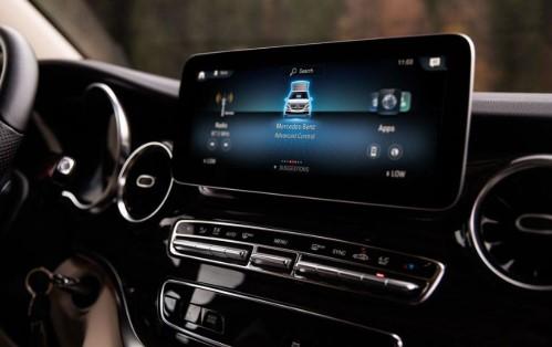 Автодом Mercedes-Benz выполняет команду: «Эй, Мерседес!» 2