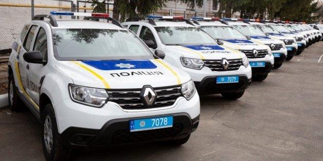 Полиция Украины получила от США 88 новых автомобилей Renault Duster 1