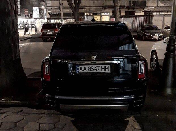 В Украине появился десятый по счету Rolls-Royce Cullinan 2