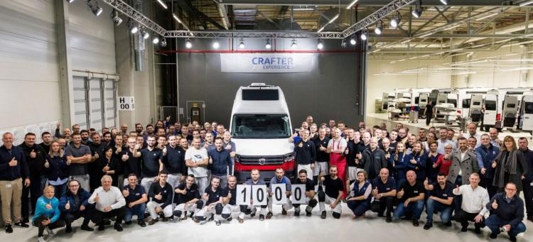 Volkswagen построил тысячный кемпер Grand California 1