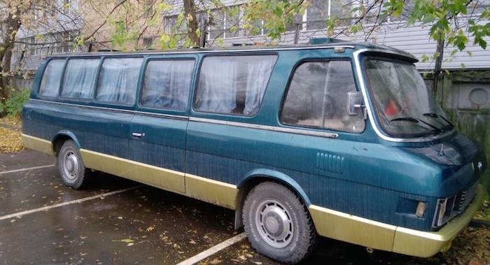 На продажу выставлен редкий микроавтобус ЗИЛ-3207 1