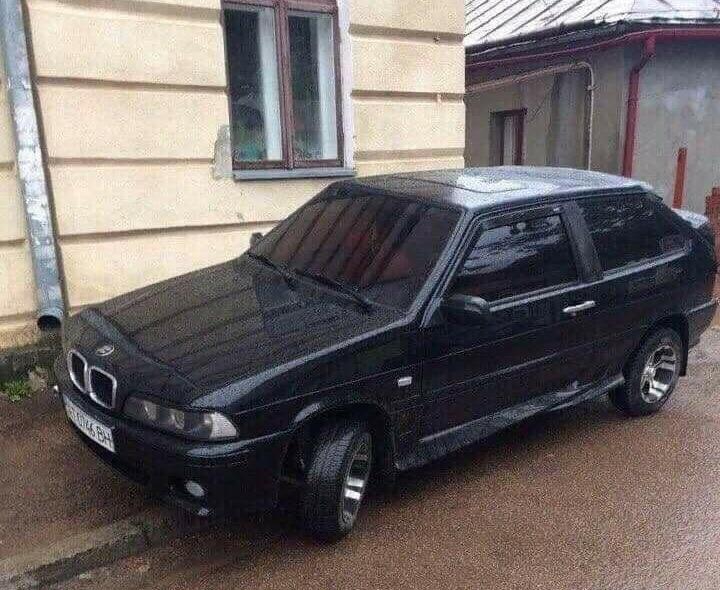 В Украине заметили самый странный «BMW» 2