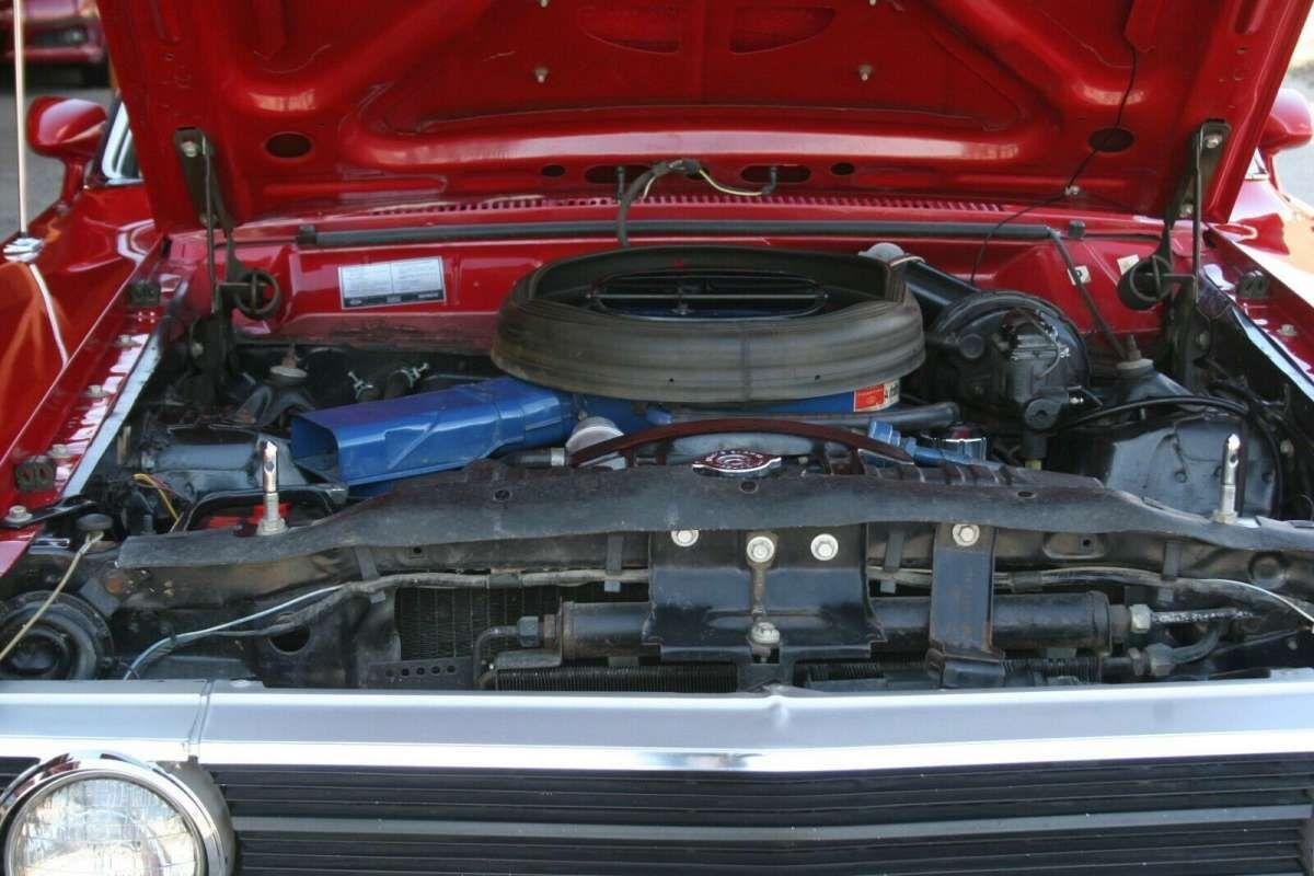 Старый Ford с ничтожным пробегом продали по цене нового S-Class 3