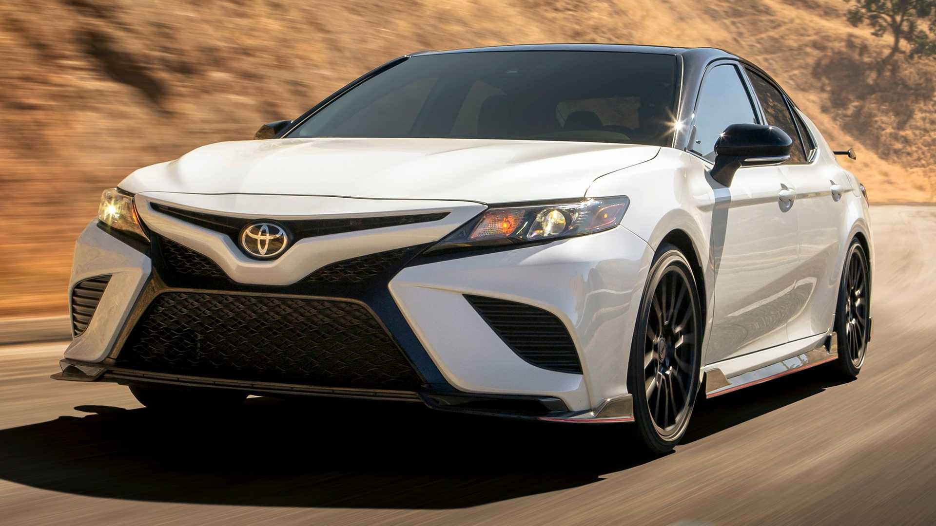 ГБР приобретет полсотни автомобилей Toyota Camry 1