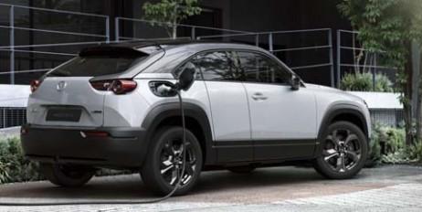 Mazda показала свой первый электрокросс 1