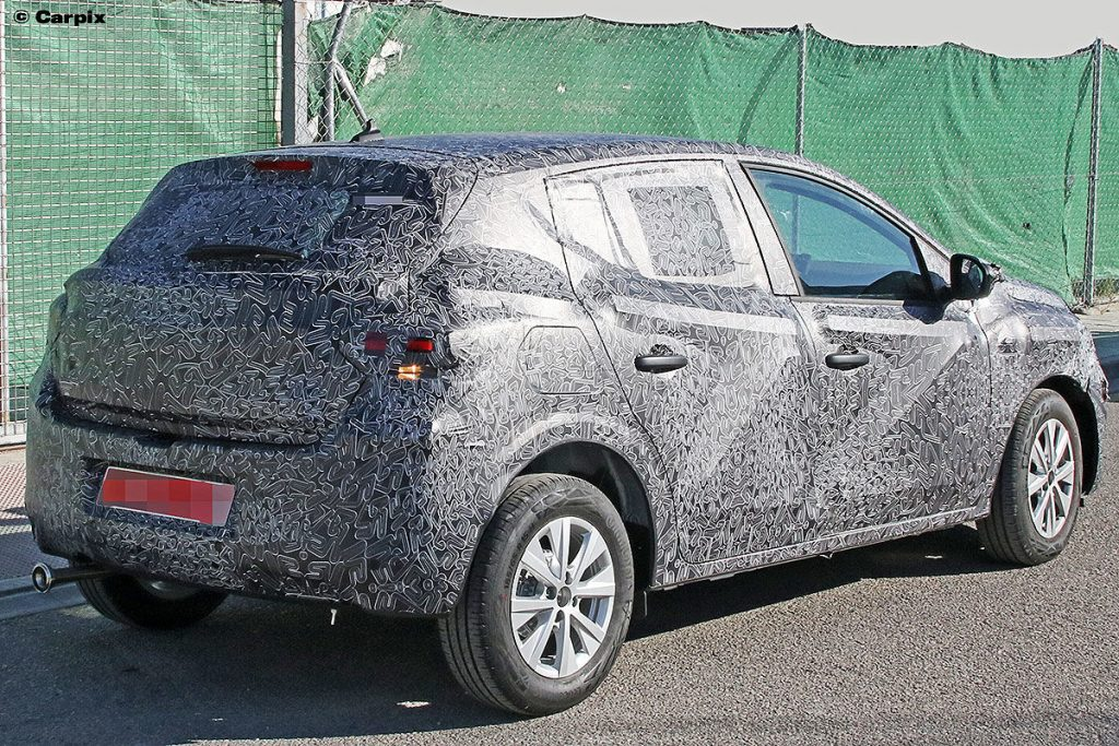 Renault вывел на тесты новый хэтчбек за 8 тысяч евро 2