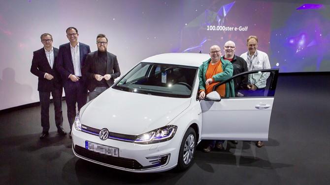 Volkswagen продал 100-тысячный электрический e-Golf 1