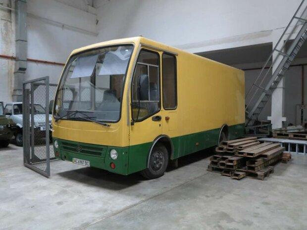 Как выглядит уникальная грузовая маршрутка «Богдан» 1