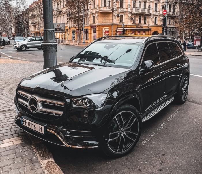 Новейший внедорожник Mercedes-Benz уже засветился в Украине 1