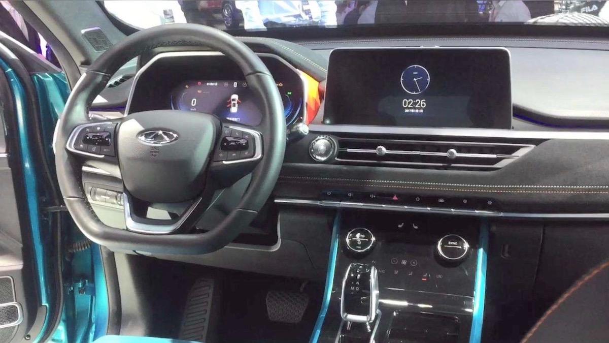 Новый Chery Tiggo 7 получил три монитора и новый турбомотор 2