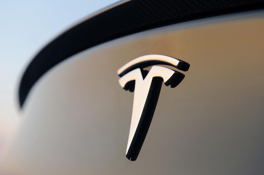 От разбитой Tesla оказалось невозможно избавиться 1
