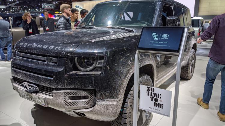 В Лос-Анджелесе показали новый Land Rover Defender из фильма об агенте 007 1