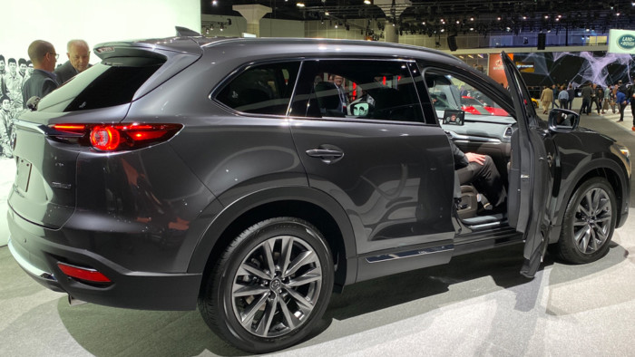Mazda презентовала обновленный кроссовер CX-9 2