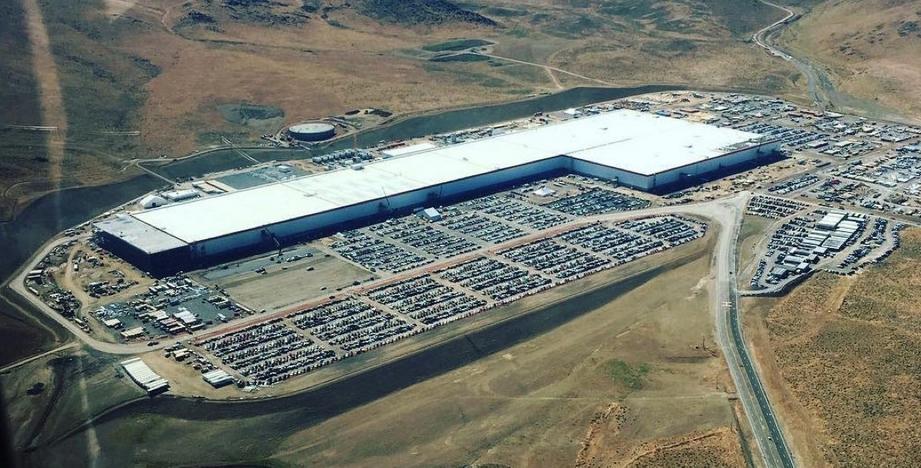 Глава Volkswagen прокомментировал «переезд» Tesla в Германию 1