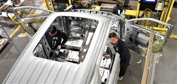 Продажи кроссовера Ford Explorer провалились даже на родине 2