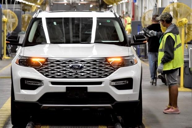 Продажи кроссовера Ford Explorer провалились даже на родине 1