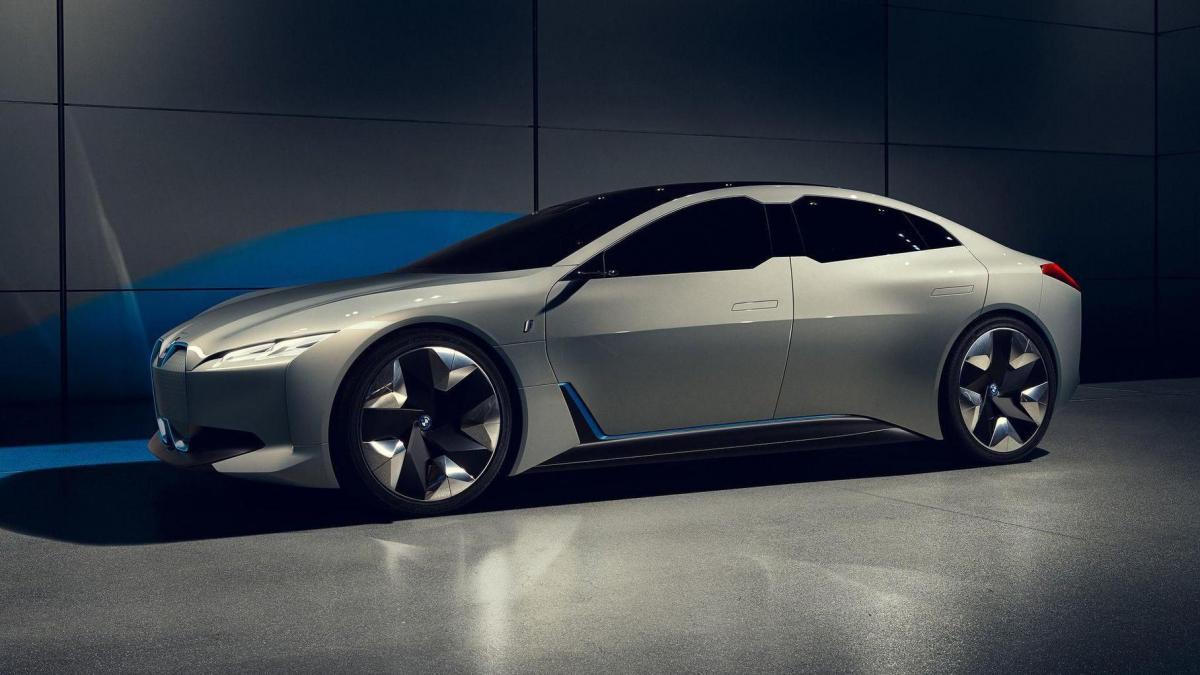 Рассекречены сведения об электрическом седане BMW 1