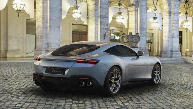 Ferrari показала новый спорткар без дверных ручек 1