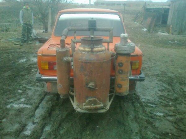 В Украине за гроши продают «Запорожец», который работает на дровах 2