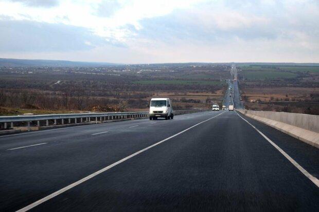 Журналисты определили лучшие и худшие дороги Украины 1