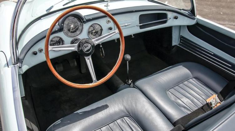 Старую Lancia оценили как новый суперкар 2