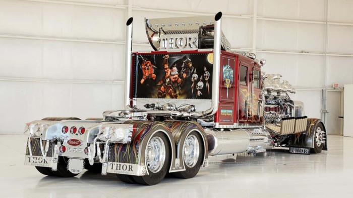 Что из себя представляет 3500-сильный тягач 27,9-литровым мотором 2