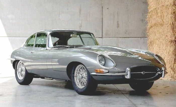 Винтажный Jaguar E-Type нашли в кустах и восстановили 4