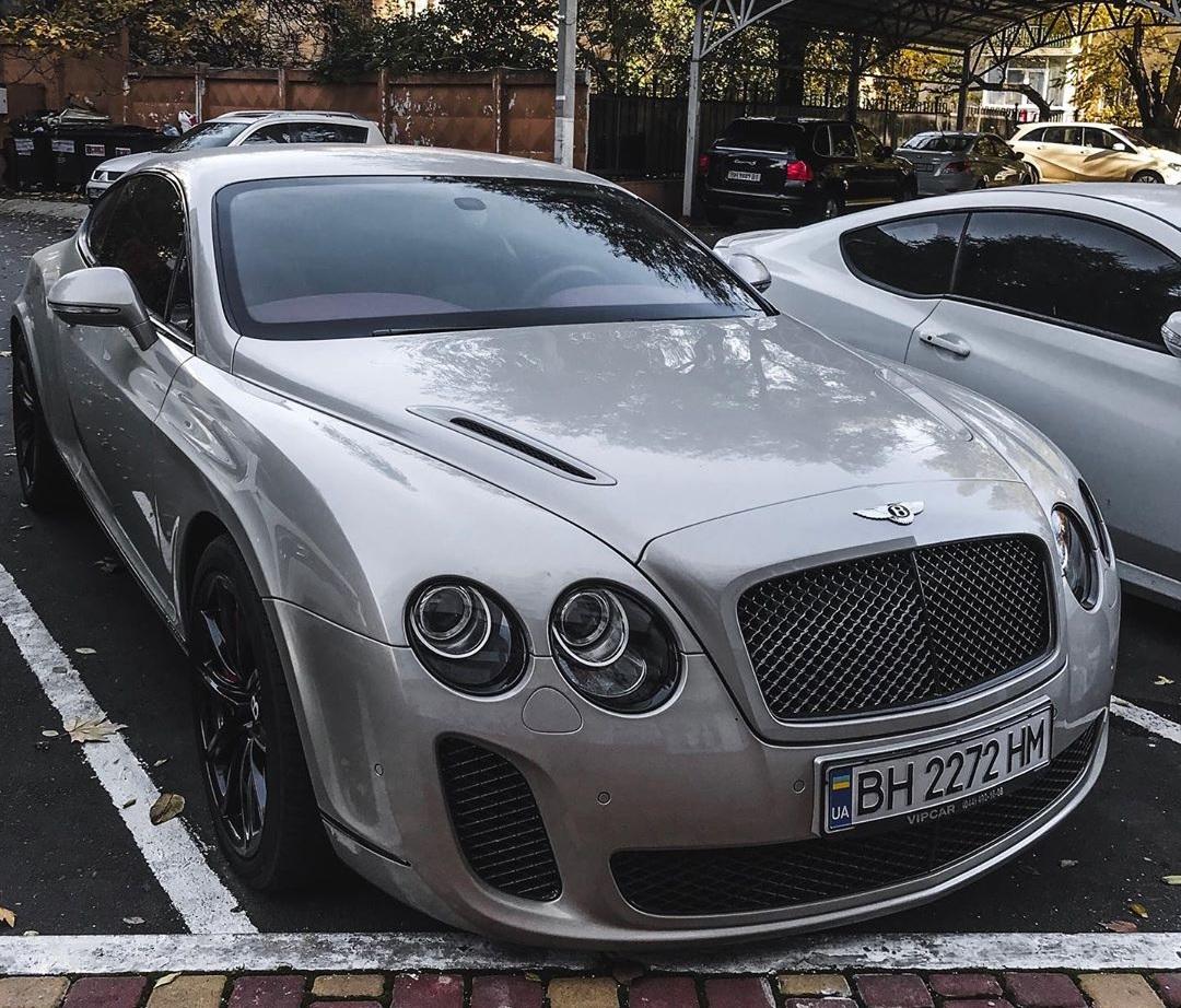 В Украине замечен редчайший Bentley 1