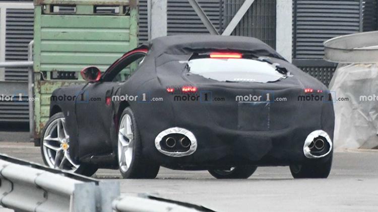 Новое купе Ferrari Portofino замечено во время финальных испытаний 2