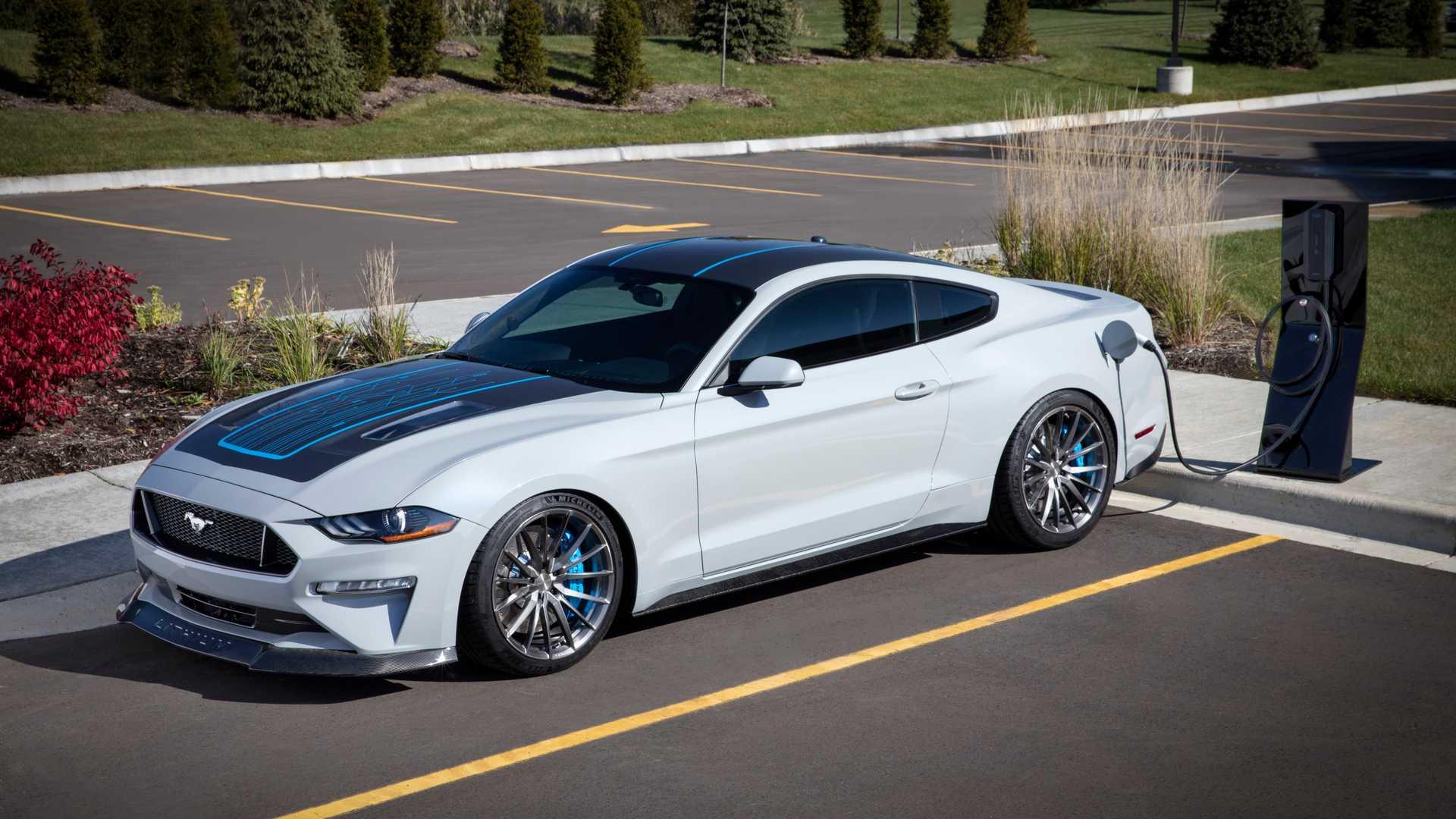 Ford Mustang превратили в 900-сильный электромобиль с «механикой» 1