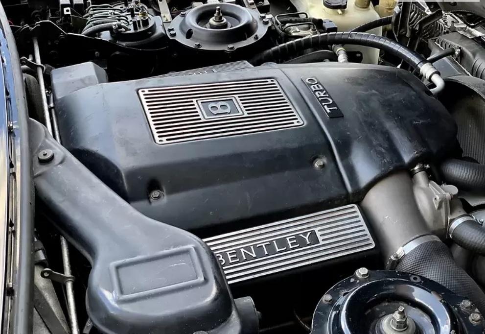 Bentley в отличном состоянии продают за «гроши» 4