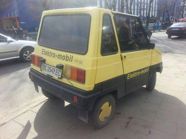 В Украине замечен самый необычный электрокар 1