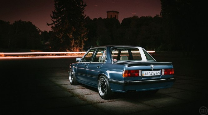 В Украине продают яркий седан BMW с тюнингом 2