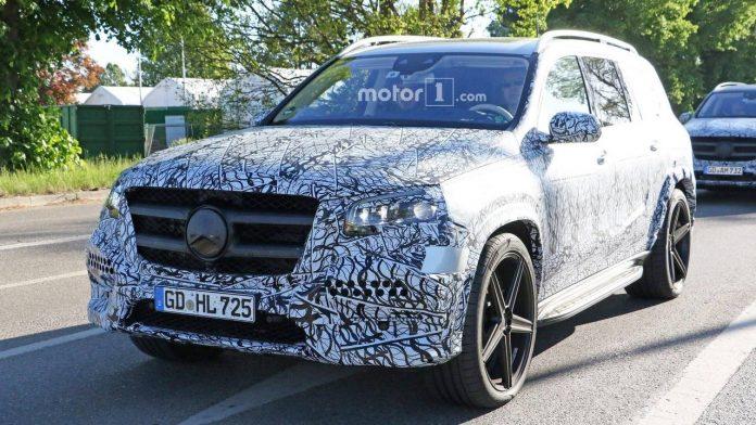 Сразу две новинки Mercedes-Benz замечены во время испытаний 1