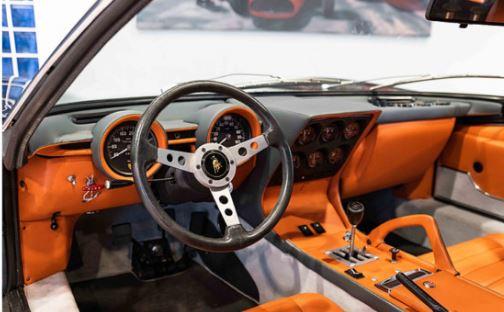 Уникальный Lamborghini продают за «космическую» сумму 2
