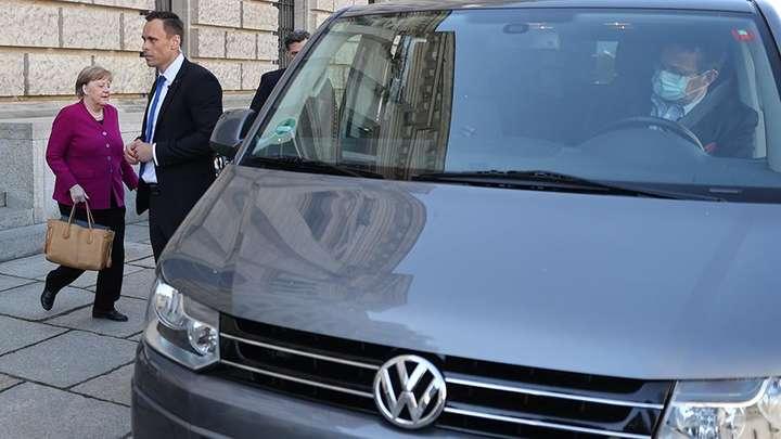 Ангела Меркель пересела на старенький Volkswagen 1