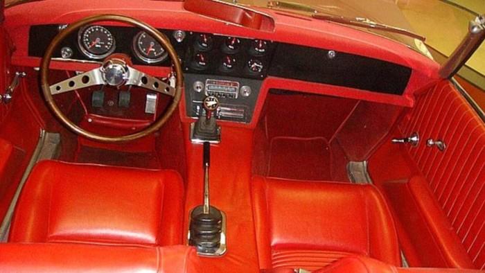 Раритетный Pontiac продают за 750 тысяч долларов 4