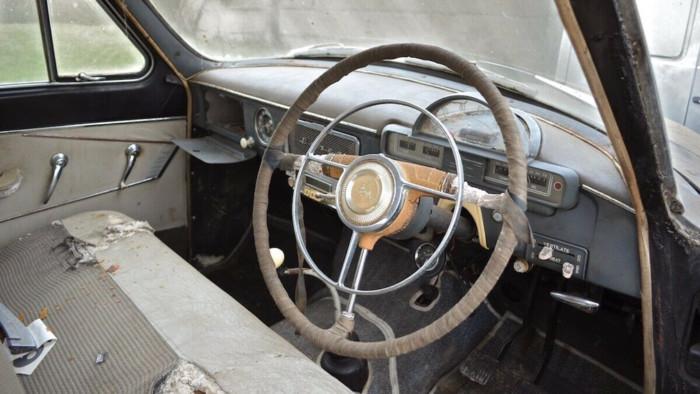 Старенькую «Волгу» продают по цене BMW X5 2