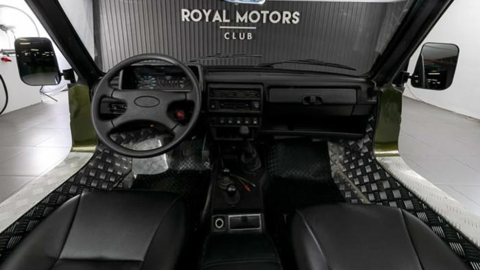 25-летнюю Ниву-кабриолет продают по цене нового авто 2