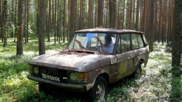 В диком лесу обнаружили Range Rover советской эпохи 1