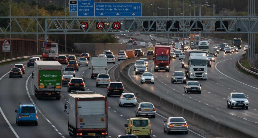 Британские пенсионеры массово сдают водительские права 1