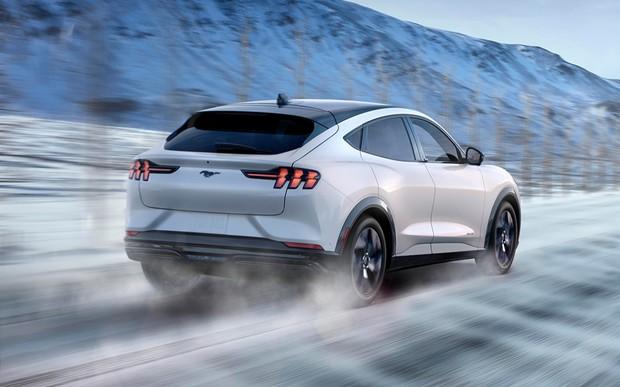 «Мустанг уже не тот»: обзор электрического кроссовера Ford Mustang Mach-E 3