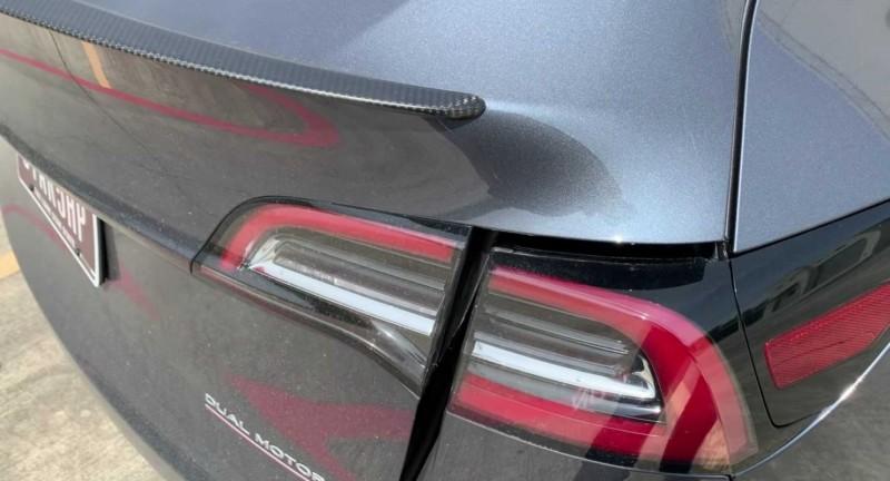 Владельца нового электрокара Tesla шокировало качество сборки 1