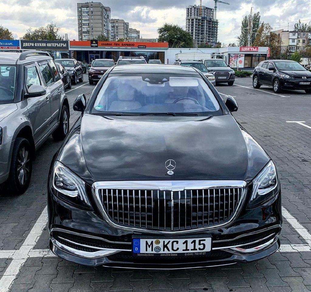 В Украине заметили новый роскошный Maybach 1