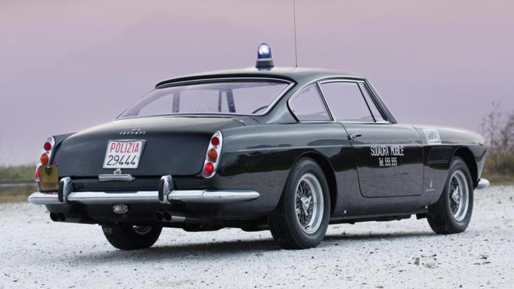 Уникальный полицейский Ferrrari из 60-х выставили на торги 2