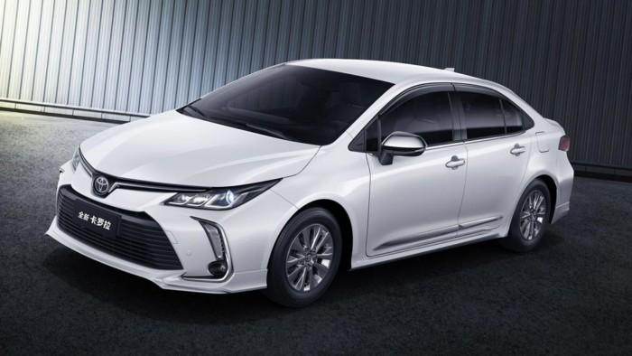 Toyota Corolla обзаведется удлиненной версией 1