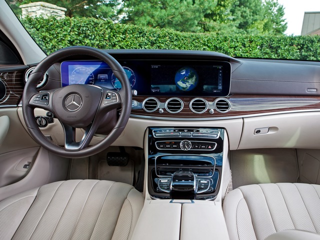 Обзор седана Mercedes-Benz E-Class 3