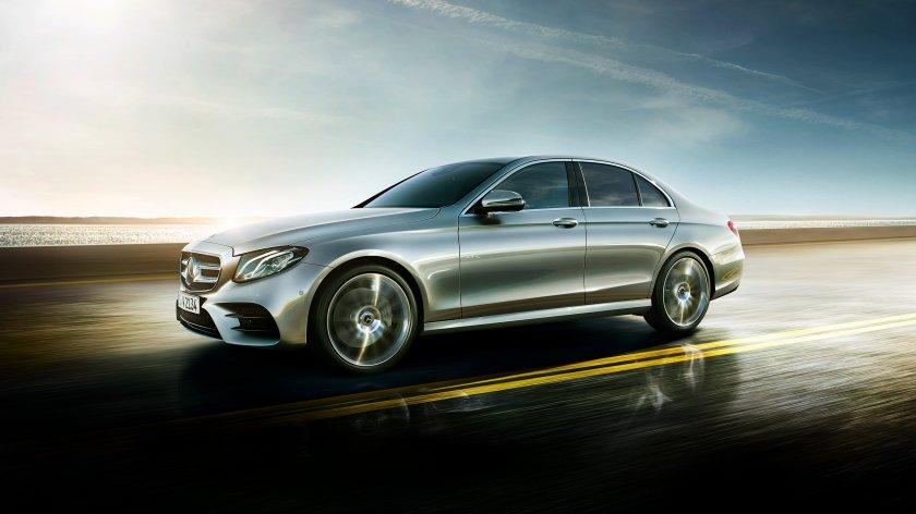 Обзор седана Mercedes-Benz E-Class 1